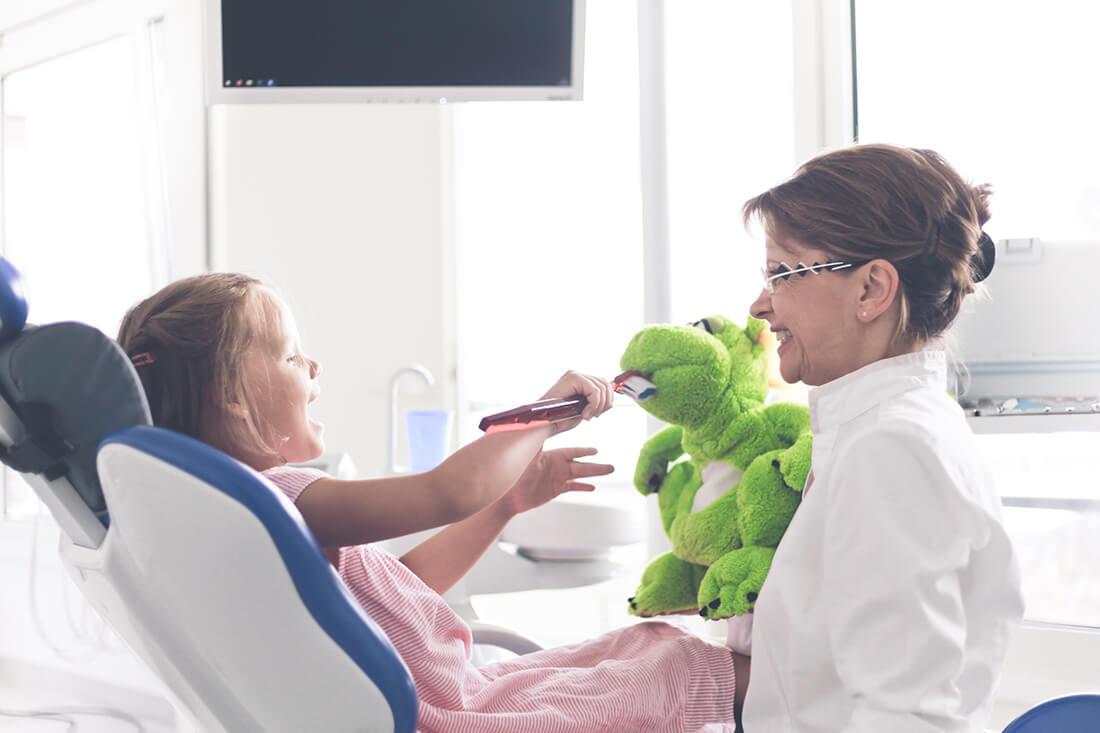 Zahnarzt Potsdam - Grünewald - Praxis Behandlungssituation Kinder