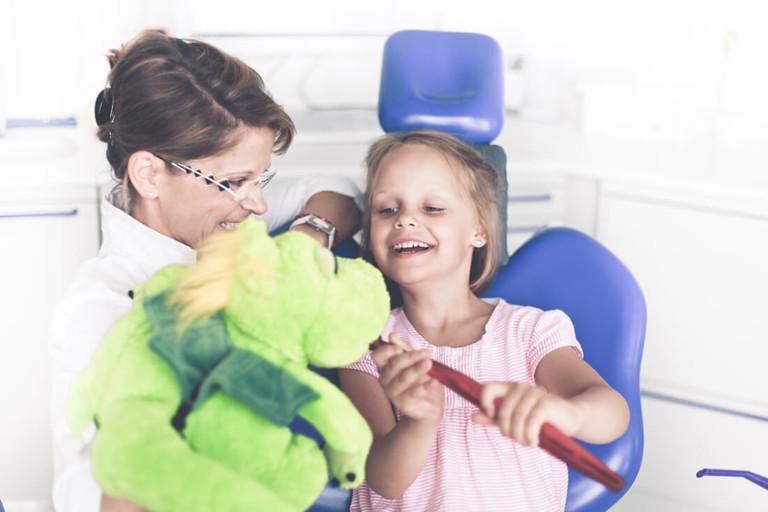 Zahnarzt Potsdam - Grünewald - Leistungen Kinderzahnheilkunde